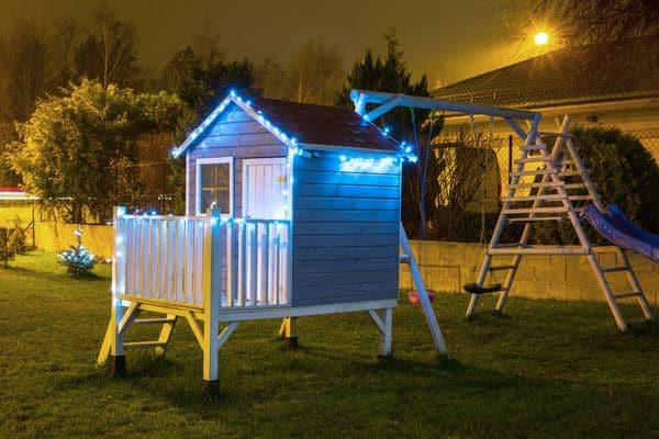 Oświetlony domek dla dzieci