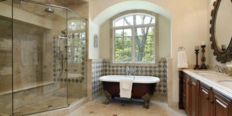wanna i prysznic w łazience